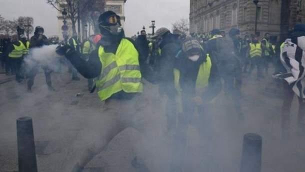 В Париже во время протеста 55 человек получили ранения