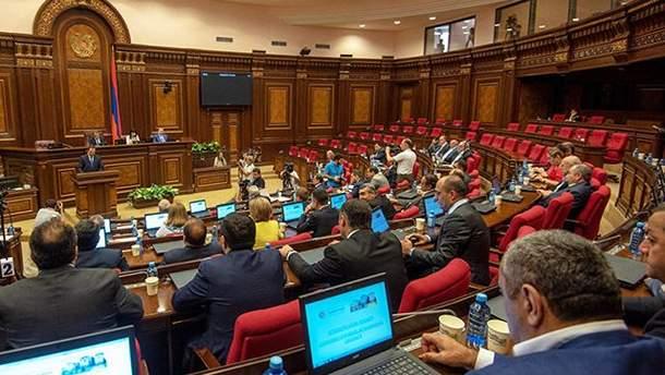 Перші результати парламентських виборів у Вірменії