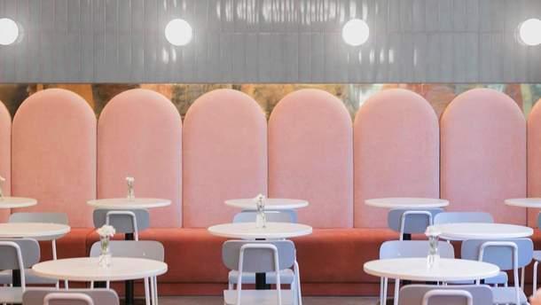 Інтер'єр кафе-пекарні Breadway в Одесі у відтінках Living coral