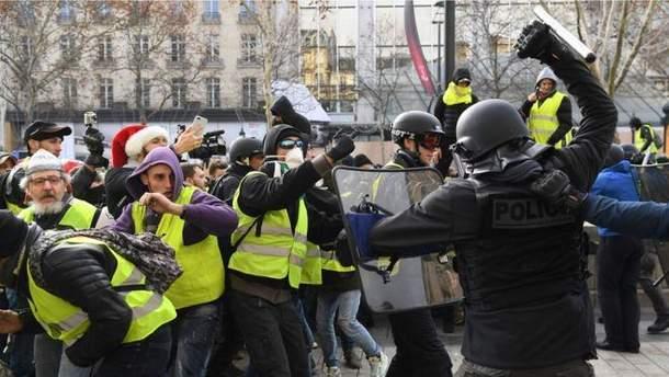 """Росія могла втручатись у протести """"жовтих жилетів"""" у Франції"""