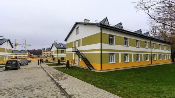 В Украине строят 184 новых общежития для военных