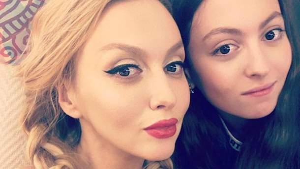 Оля Поялкова с дочерью Марией