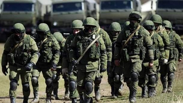 Росія стягнула до кордону з Україною армію і військову техніку