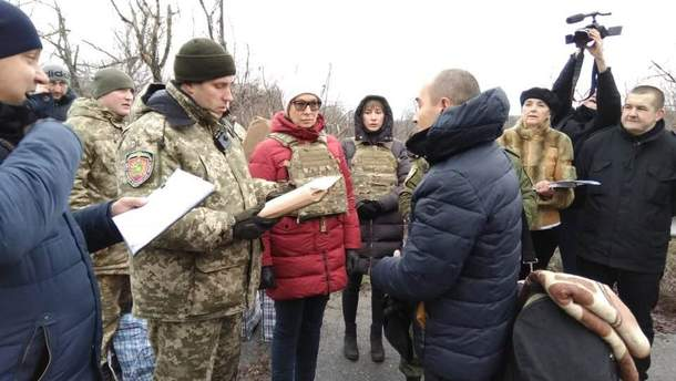 Из оккупированного Луганска Украине передали 42 заключенных
