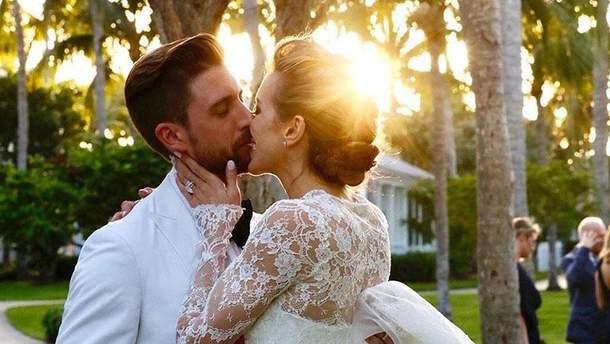 """Зірка серіалу """"Стріла"""" Кеті Кессіді вийшла заміж"""