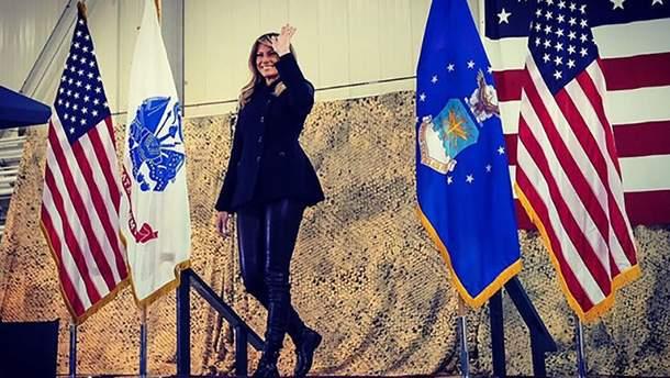 Мелания Трамп надела кожаные штаны