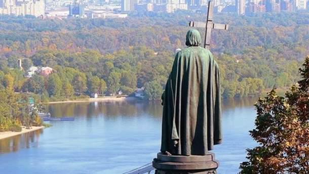 З якими труднощами зіштовхнеться Православна церква України?