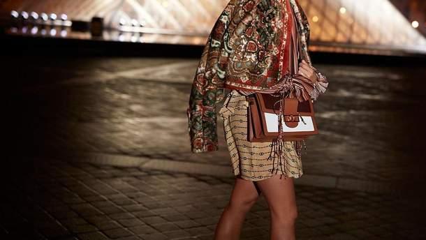 Алісія Вікандер в образі від Louis Vuitton.