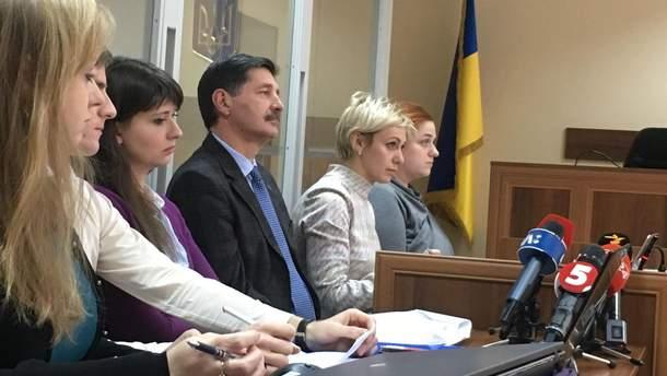 Судове засідання у справі лікаря, який давав законні свідчення проти Романа Насірова