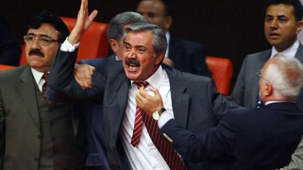 Найяскравіші парламентські бійки в країнах світу