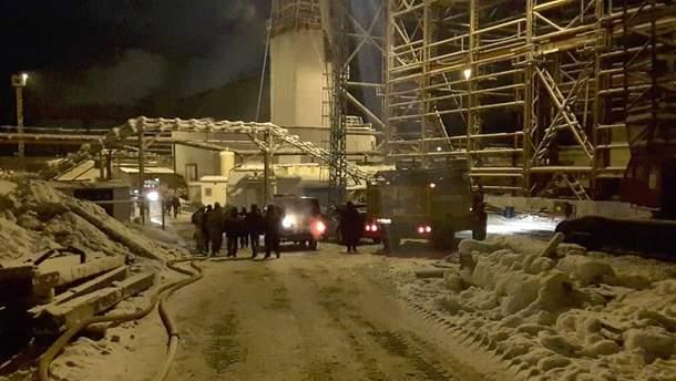 Пожежа на шахті у Росії: рятувальники виявили тіло останнього 9 гірника: нагору підняли лише одного будівельника