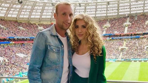 Денис Глушаков з дружиною Дарією
