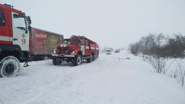 Негода в Україні: відомо яка ситуація на дорогах державного значення