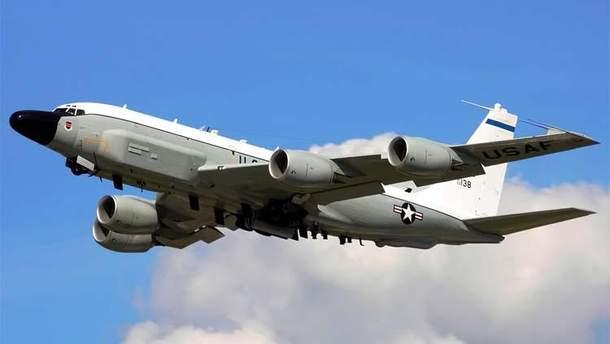 Літак-розвідник США Boeing RC-135V патрулював Крим