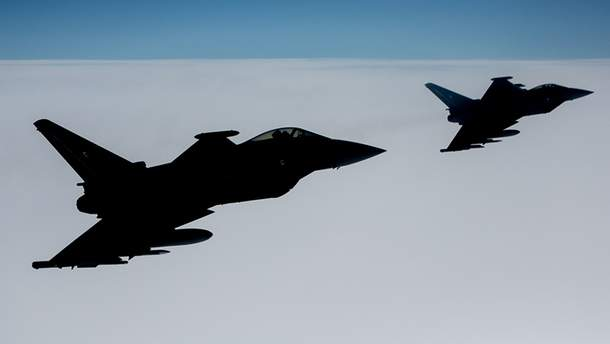 Истребители НАТО перехватили три военных самолета России над Балтийским морем
