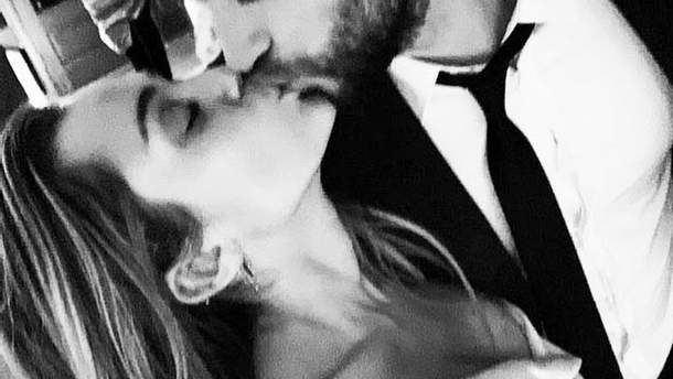 Майлі Сайрус і Ліам Хемсворт одружилися