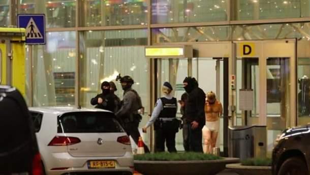 В аеропорту Амстердама чоловік погрожував підірвати бомбу