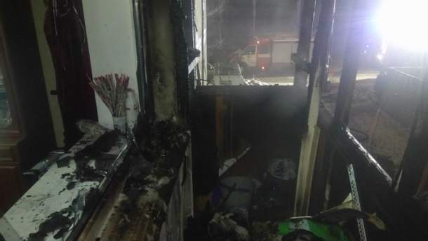 У Запоріжжі спалахнула пожежа в квартирі через кинуту на балкон петарду