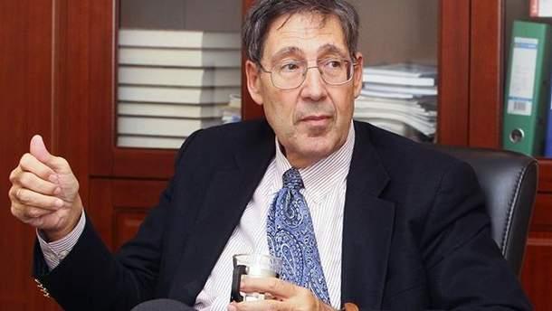 Джон Хербст анонсировал предоставление оружия Украине от США