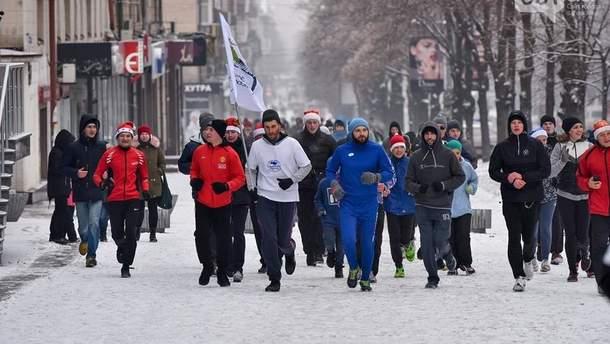 """Жители Запорожья традиционно после Нового года вышли на """"трезвую пробежку"""""""