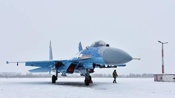 Модернизированный самолет Су-27