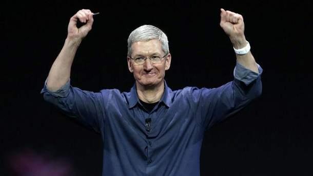 Тім Кук визнав падіння продажів iPhone