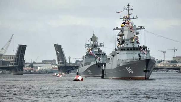 Росія тимчасово припинила затримувати судна на Азові