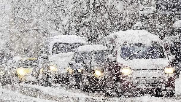 Сніжний циклон покинув територію України