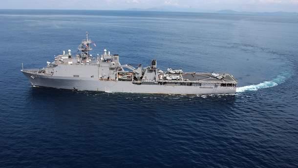 В Черное море идет экспедиционный десантный корабль морской пехоты США