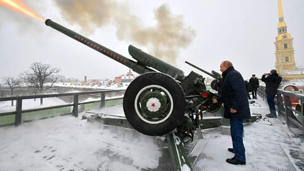 """Путин пытается сохранить власть, """"поглотив"""" Беларусь, – Bloomberg"""