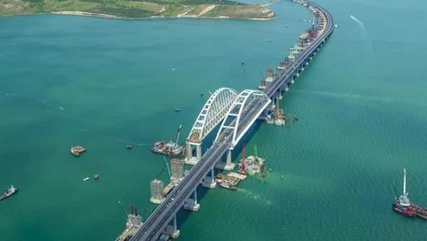 Крымский мост проседает