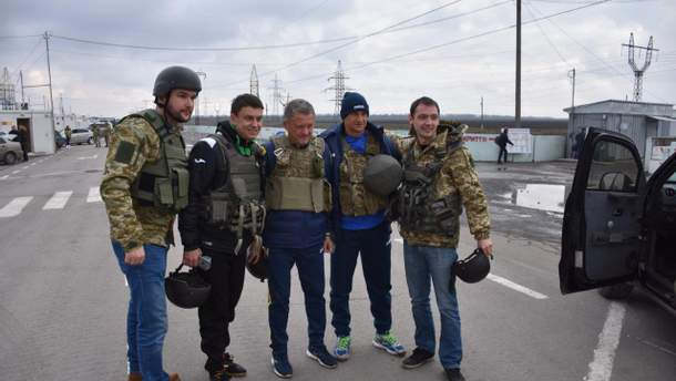 Мирон Маркевич во время посещения пограничников на передовой