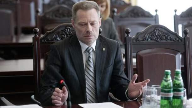 Судью Дмитрия Усатова освободили от должности