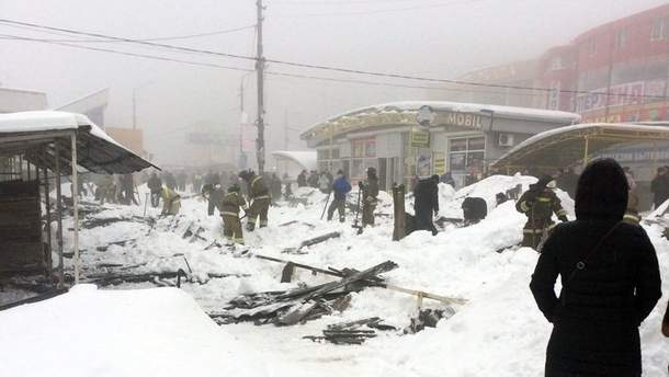 В оккупированной Макеевке обрушилась крыша торгового ряда