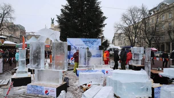 У Львові розпочався конкурс скульптур із льоду