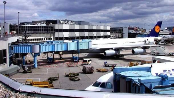 Працівники аеропорту у Франкфурті влаштують масштабний страйк 15 січня