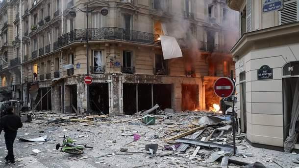 Фото с места взрыва в центре Парижа