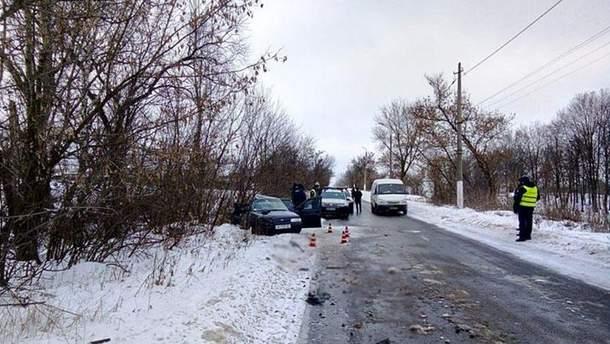 В ДТП с рейсовым автобусом в Донецкой области погибли 3 человека