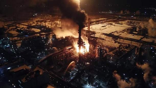 Пожар в Калуше загорелся олефинов завод'Карпатнефтехим