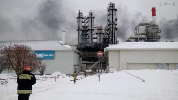 Пожар на нефтеперерабатывающем заводе в Уфе