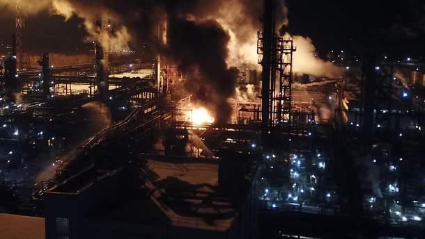 Пожежу на заводі із виробництва хімікатів у Калуші повністю загасили