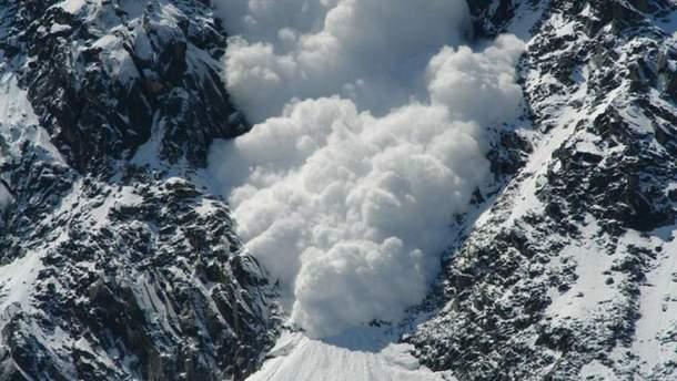 В Альпах під лавиною загинули іноземні туристи