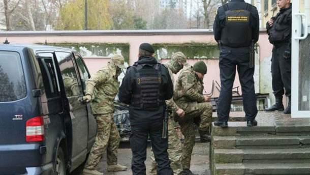 Суд в Москве продлил арест 12 пленным украинским морякам