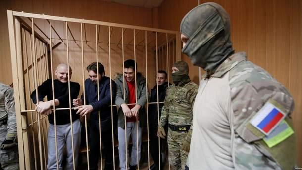 В московском суде с аплодисментами встретили раненых моряков