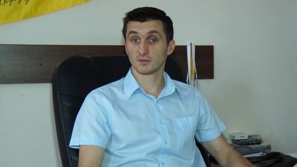 У Житомирі активісти висипали відро піску в кабінеті заступника міського голови Дмитра Ткачука