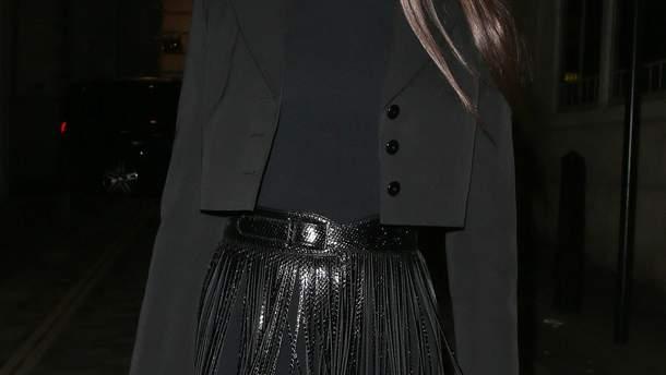 Наоми Кэмпбелл впечатлила необыкновенной прической намодном показе Louis Vuitton (ГОЛОСОВАНИЕ)