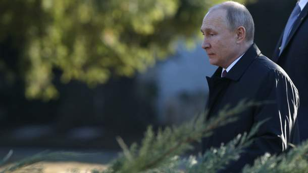 Путін на Водохреще пірнав у ополонку таємно (фото)