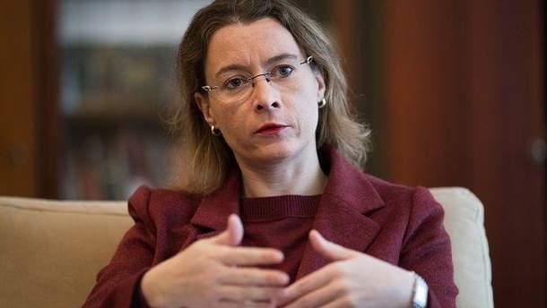 Изабель Дюмон начала свою дипломатическую миссию в Украине в сентябре 2015 года