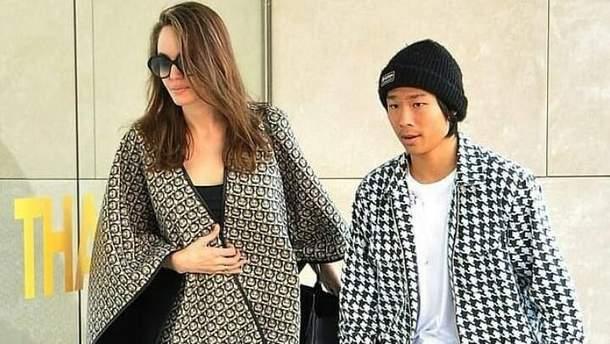 Згадала навички Лари Крофт: Анджеліна Джолі відвідала скеледром зі своїми дітьми