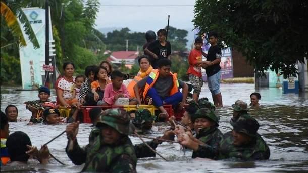 Картинки по запросу Не менее 26 человек погибли в результате наводнений в Индонезии